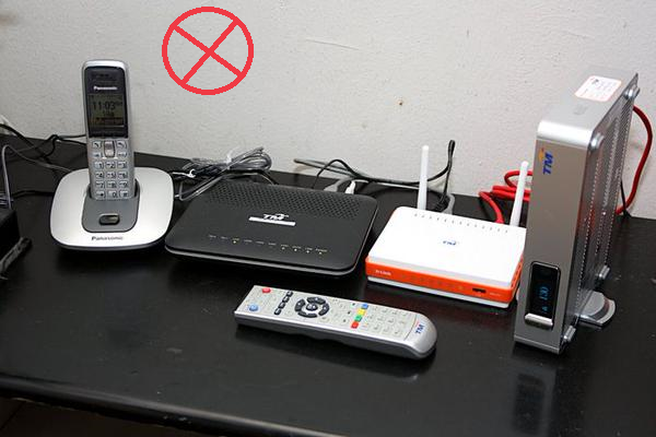 Keep-Router-away-from-electronics 4