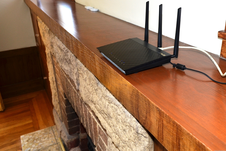 Lift-the-Router-off-the-ground-1