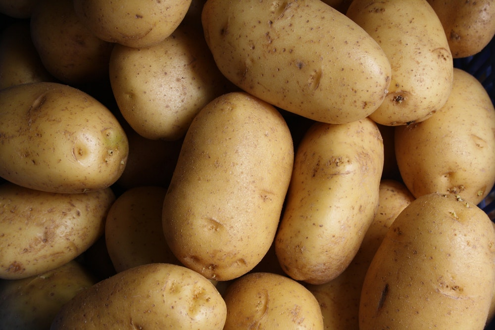 remove dark spots from face with potatos